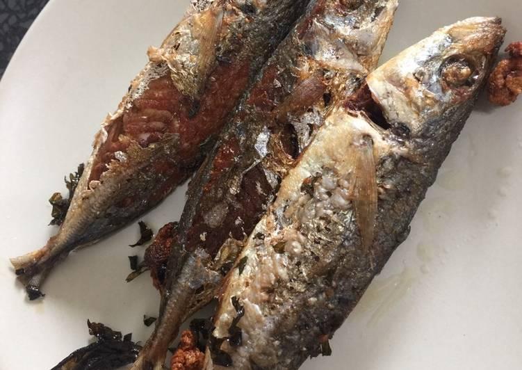 Coriander fried fish