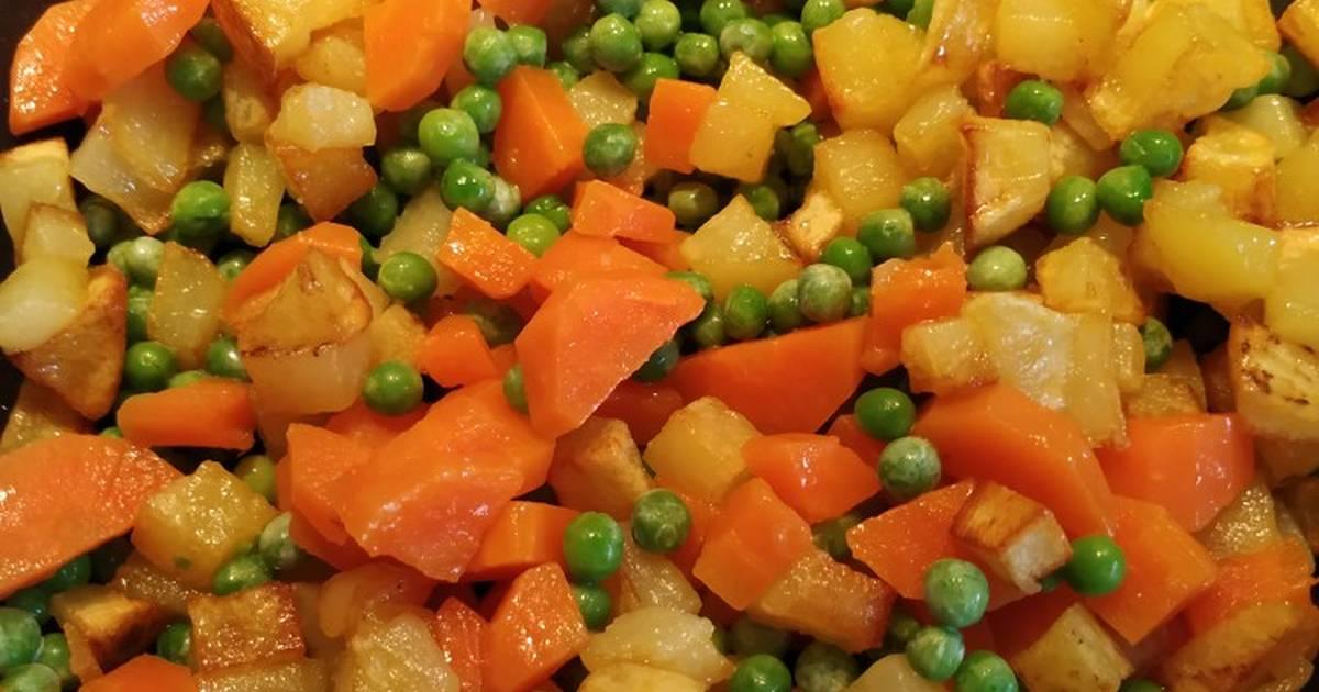 Salteado De Patata Zanahoria Y Guisantes Receta De Raquel Cookpad Necesitará unos minutos para que. salteado de patata zanahoria y guisantes