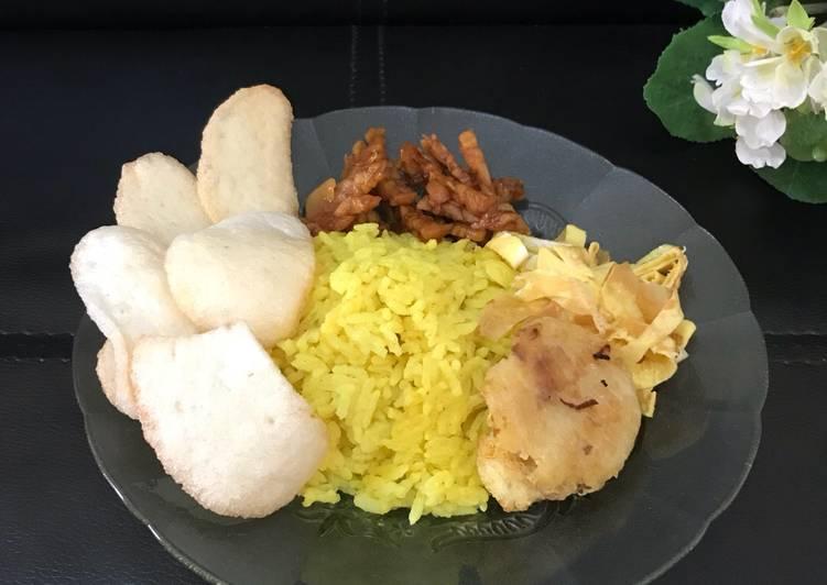 Nasi Kuning ala Dewi Dapur