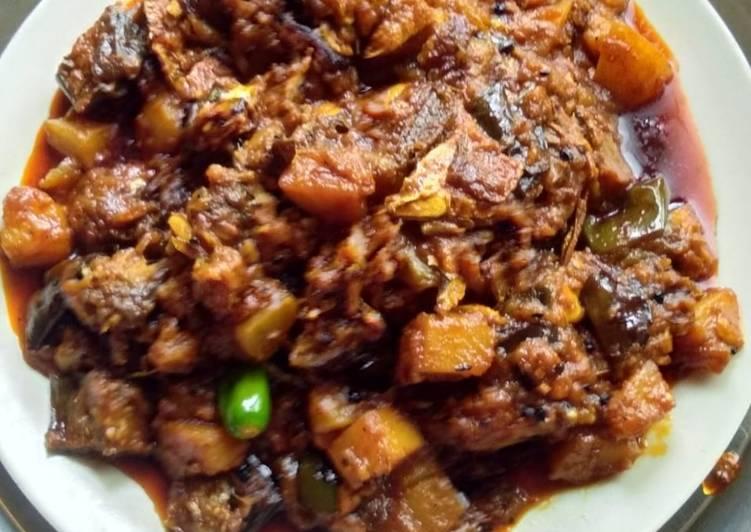 Recipe of Quick Hilsha fish vegetables curry