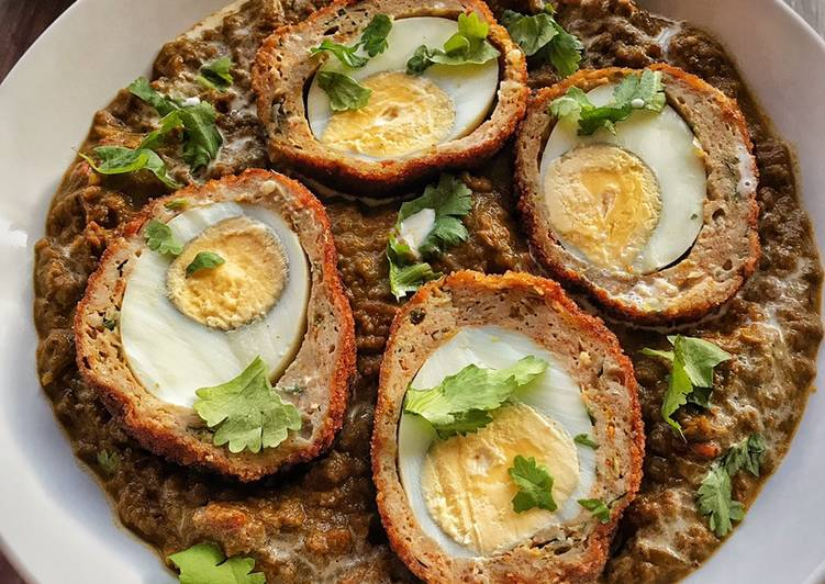 How to Make Delicious Scotch eggs in Spinach Gravy base
