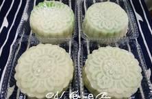 Bánh dẻo nhân đậu xanh lá dứa