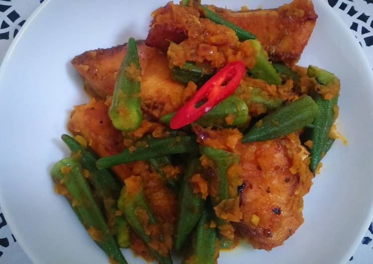 Rahu fish with okra or vindi
