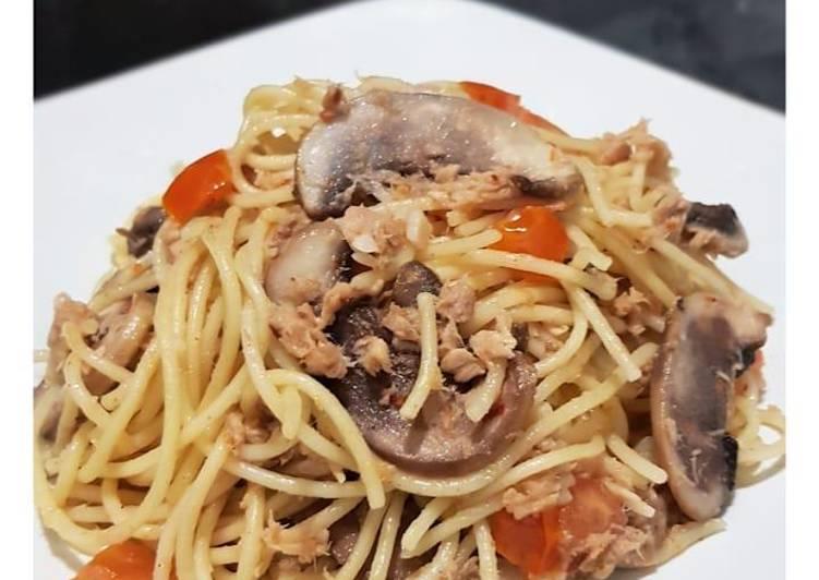 Spaghetti Aglio e Olio Tuna