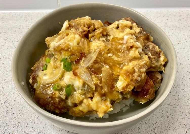 Katsudon (pork tonkatsu rice bowl)
