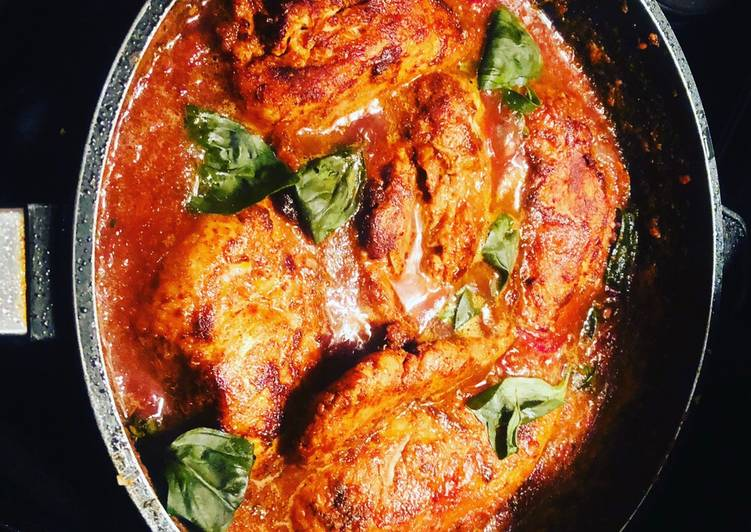 Recipe of Most Popular Spicy, Succulent Chicken Breasts in a Tomato and Red Wine Sauce