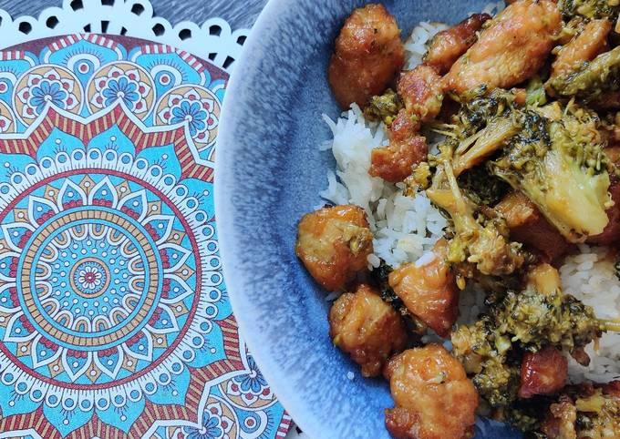 Schritte Um Superschnelle Hausgemachte Pikantes Honig-Hähnchen mit Brokkoli zu machen