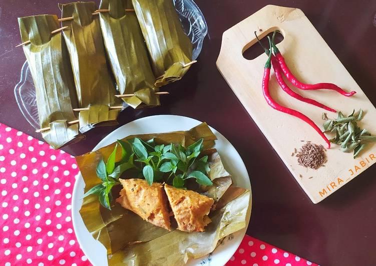 Pepes Kari Ayam Cincang #163 - cookandrecipe.com