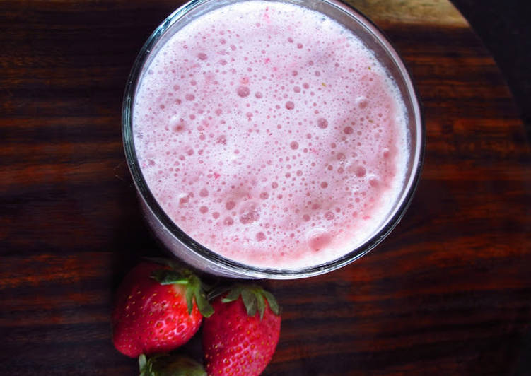 Chilled Strawberry Milkshake