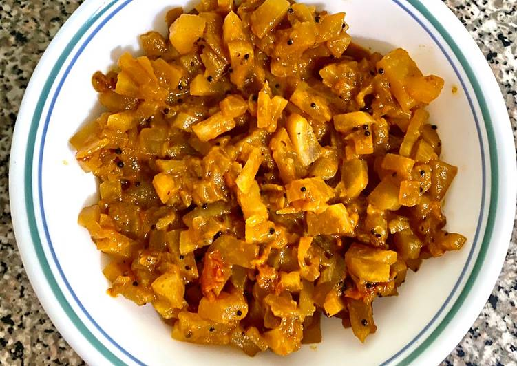Recipe of Favorite Mullangi poriyal (Radish curry)