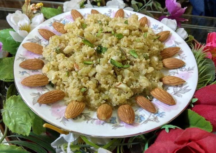 10 Minute Recipe of Refreshing Lauki ka Halwa