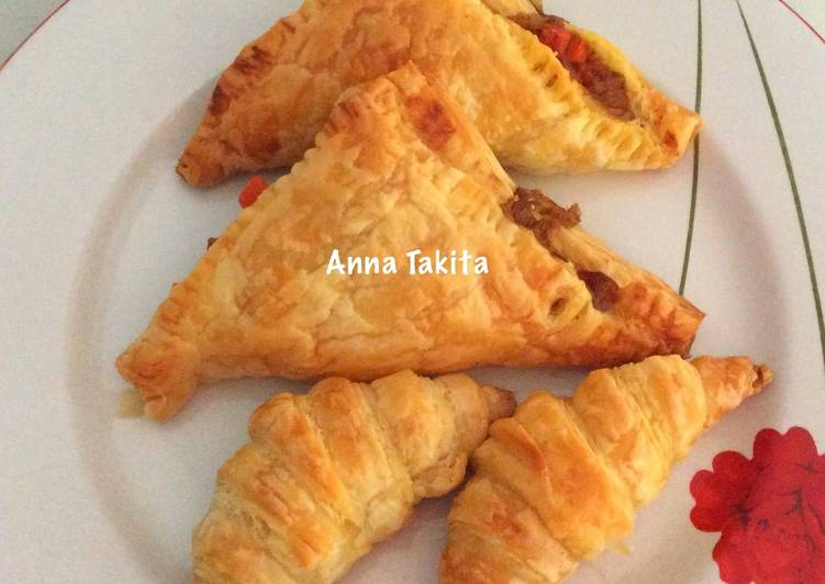 Curry Puff & Croissant