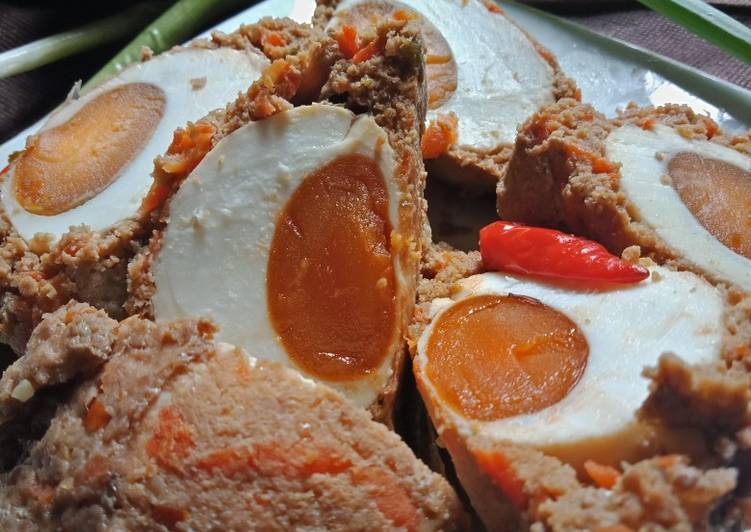 Pepes daging sapi telur asin