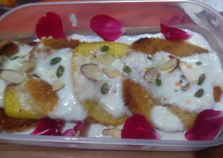 Shahi tukda with caramelized apple