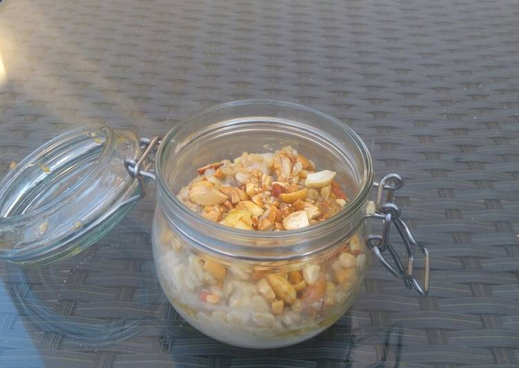 Oat breakfast jar