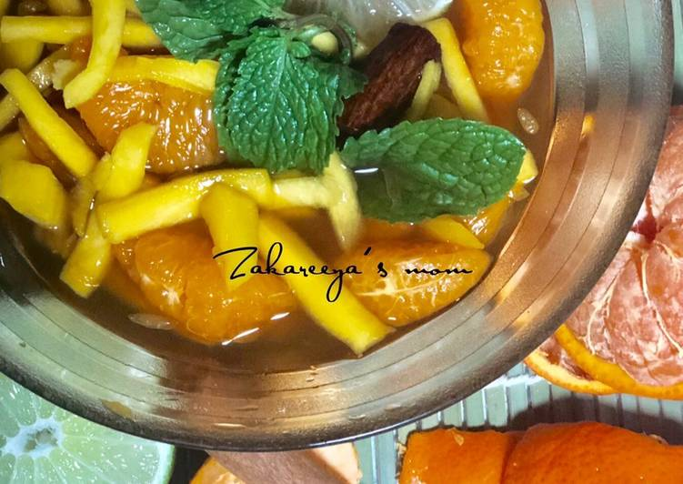 Asinan Jeruk mandarin & mangga bumbu rempah