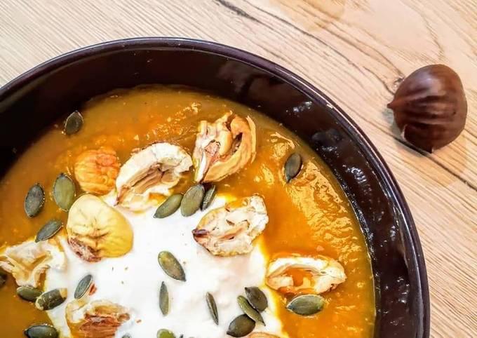 ~ Soupe de potimarron aux 4 épices et châtaignes grillées ~