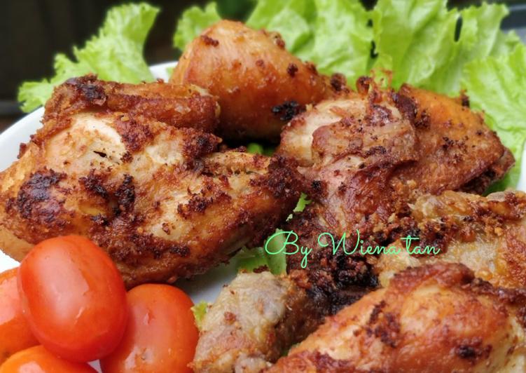 28. Ayam Goreng Bumbu Kemiri