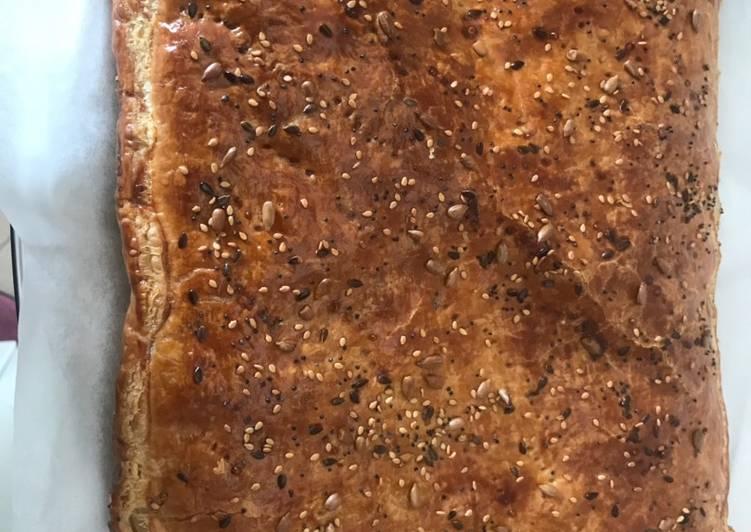 Pizza rustica con bieta, ricotta e salame