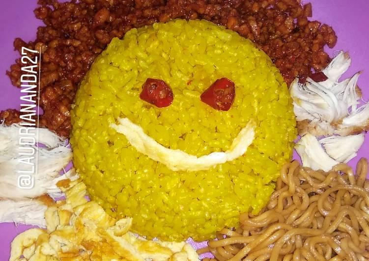 11. Nasi Kuning