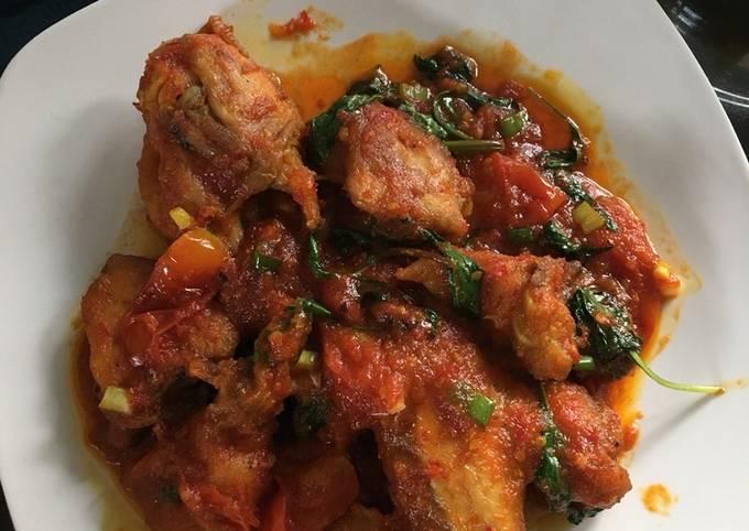 Bahan-bahan Ayam Rica Kemangi & Tomat Enak Untuk Makan Siang Sederhana dan Mudah Dibuat