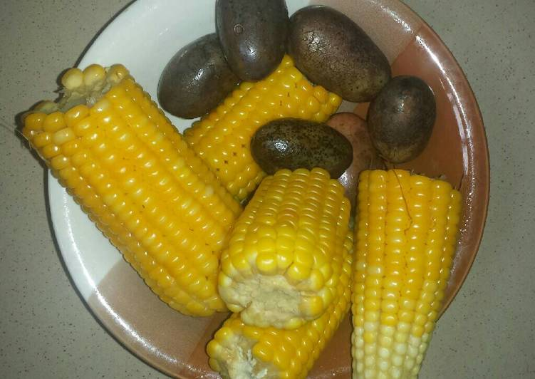 Recipe of Perfect Boiled maize and pear