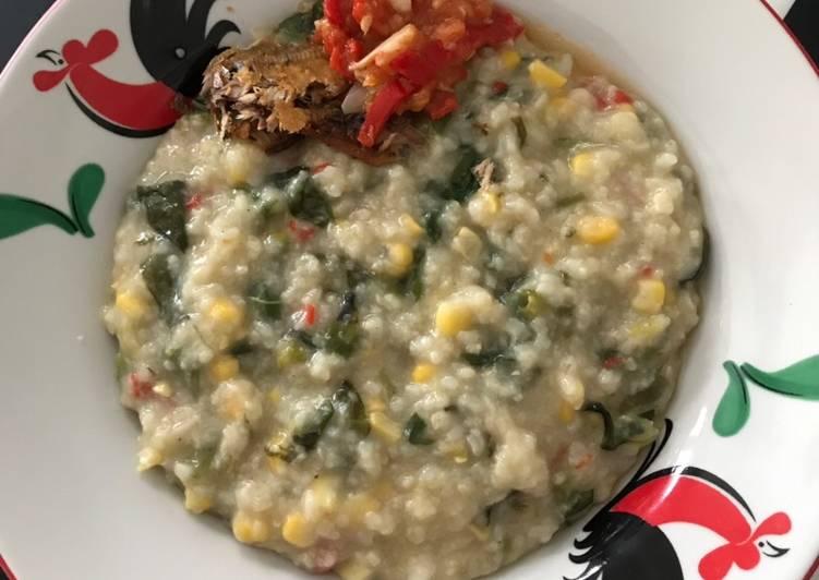 Bubur Manado dan Ikan Asin dan Sambal Tomat