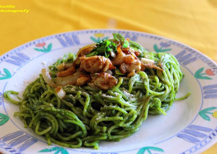 Spaghetti Verde Con Pollo Salteado Receta De Guillermo