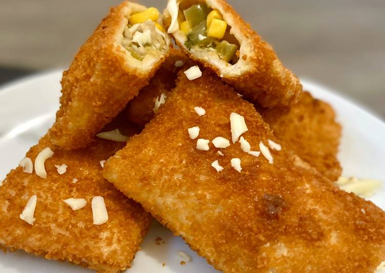 Step-by-Step Guide to Make Favorite Chicken & vegetable Bread Roll  #Ramadan