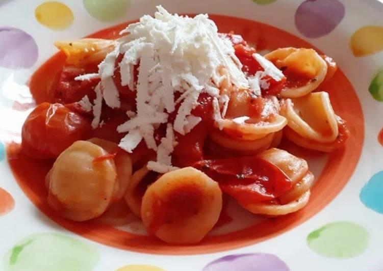 Ricetta Orecchiette con sugo di pomodori freschi e ricotta salata