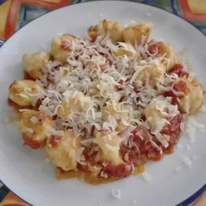 Ñoquis y salsa pomodoro
