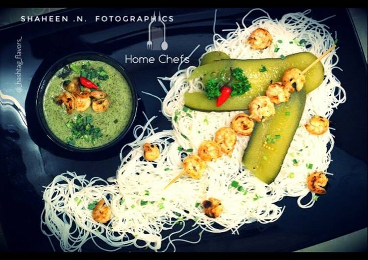 Thai Green Coconut Curry Shrimps with Rice noodles