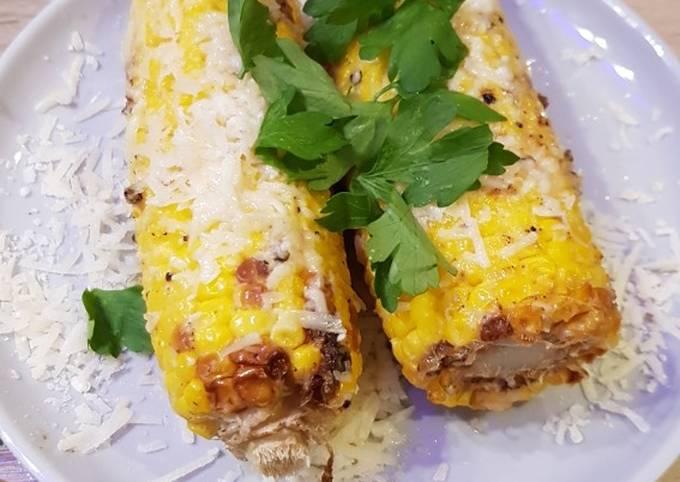 Recipe: Appetizing Cheesy, garlicky corn on the cob