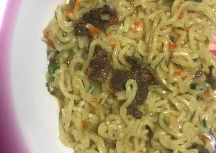 Spicy Indomie with leftover tsire