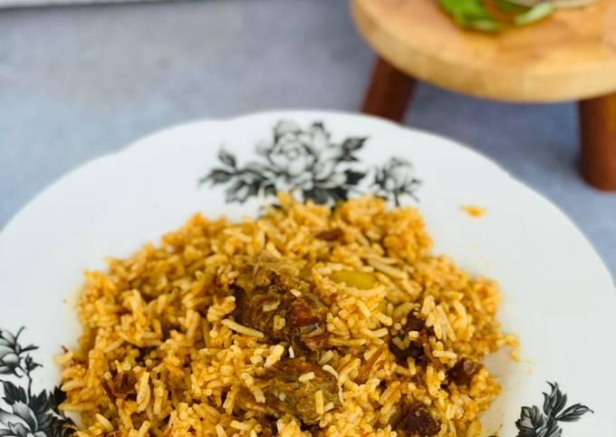 Nasi Kari Daging Dalam Tin