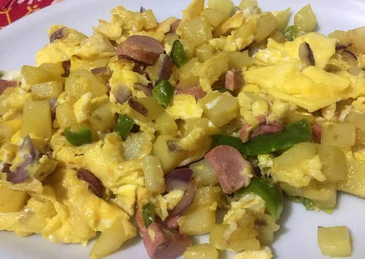 Scrambled egg with potato and sausages