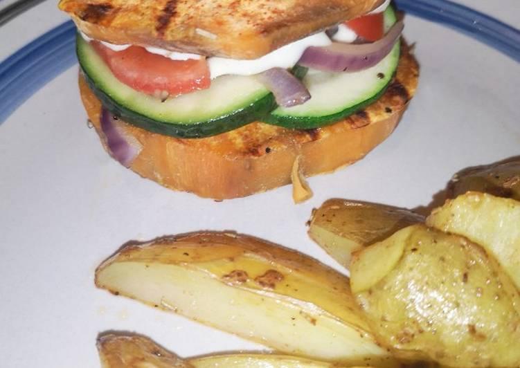 Burger veggie de patate douce et potatoes fumées