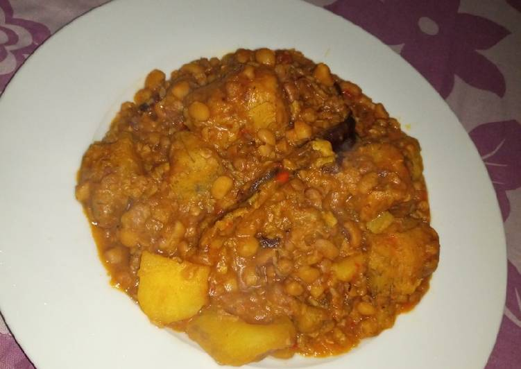 Bean pottage with plantain, Irish and sweet potatoes