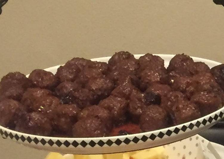 Cranberry Red Wine Meatballs