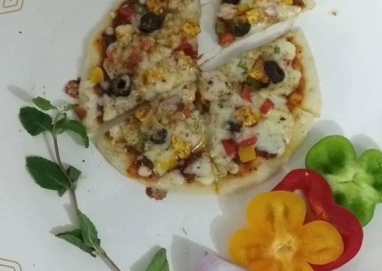 Paneer Mix Veg Pizza Thin Crust