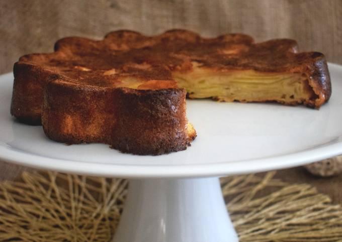 Gâteau invisible aux pommes et sa crème caramel au beurre salé#mars