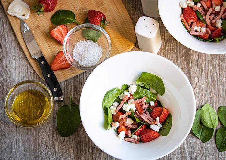 Recette De Salade de pousses d'épinards et fraises