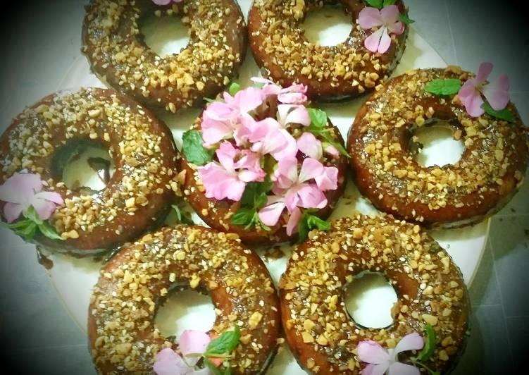Les donuts aux chocolats à la panineuse