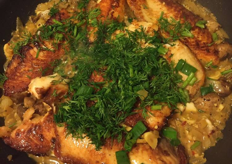 Recipe: Delicious Fillet Fish with White Wine and Mushroom Sauce