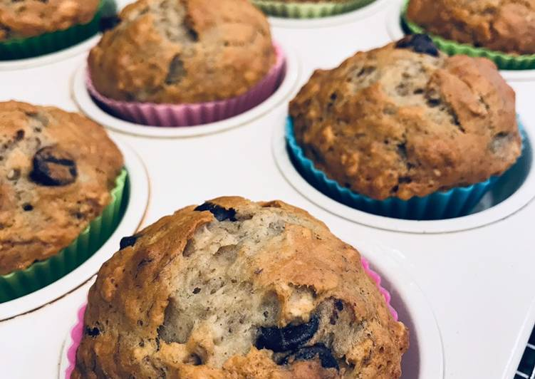 How to Prepare Homemade Delicious Chocolate chip banana honey oat muffins