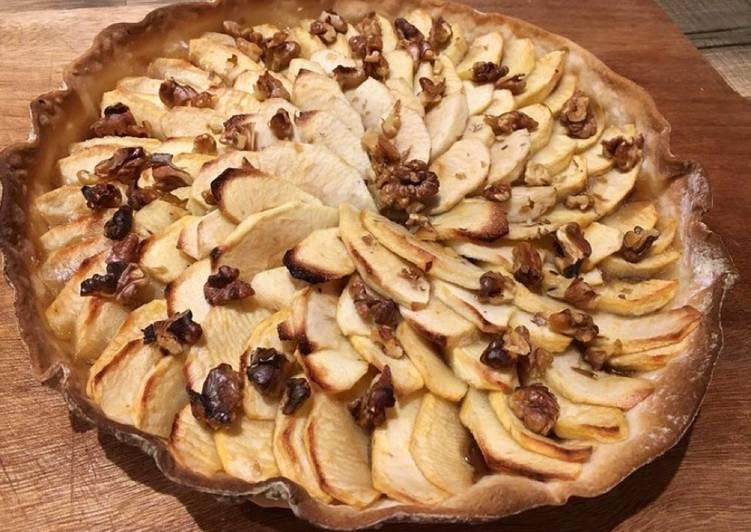 Tarte aux pommes, noix et crème de marrons