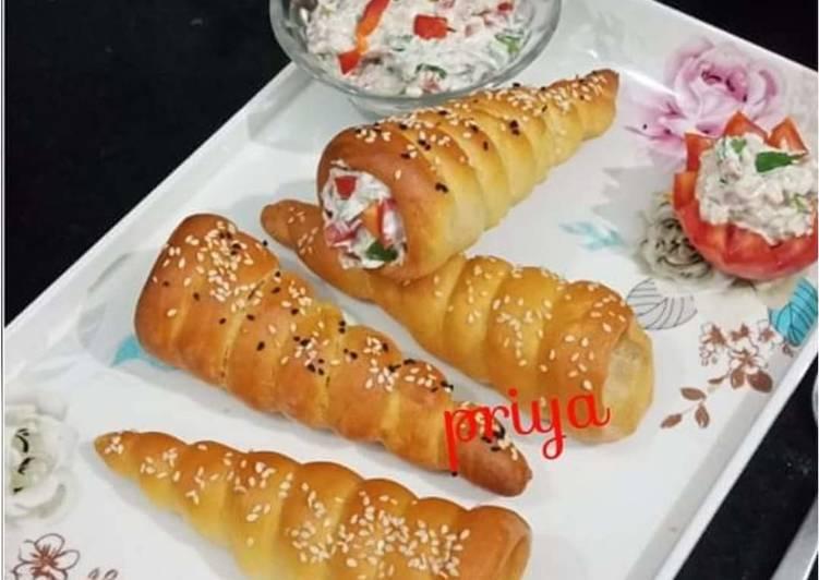 Baked Bread Cones in Cooker
