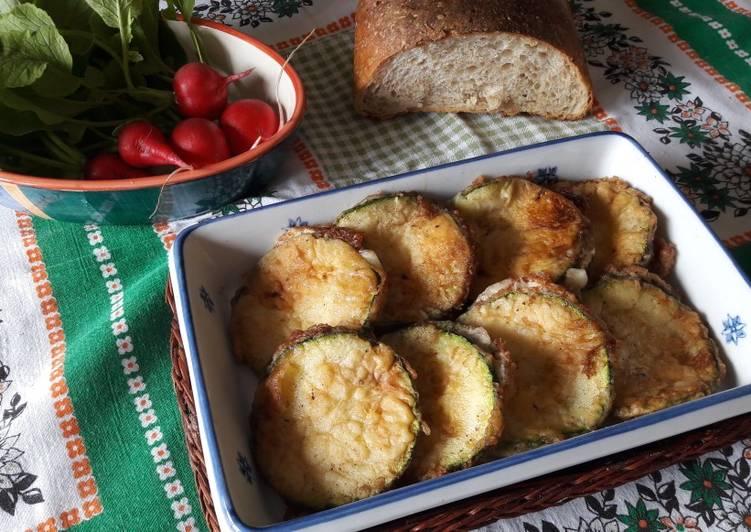 Sandwich di zucchine fritti