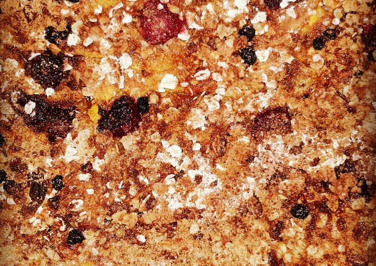 Recipe: Delicious Peach crumble with oat flour