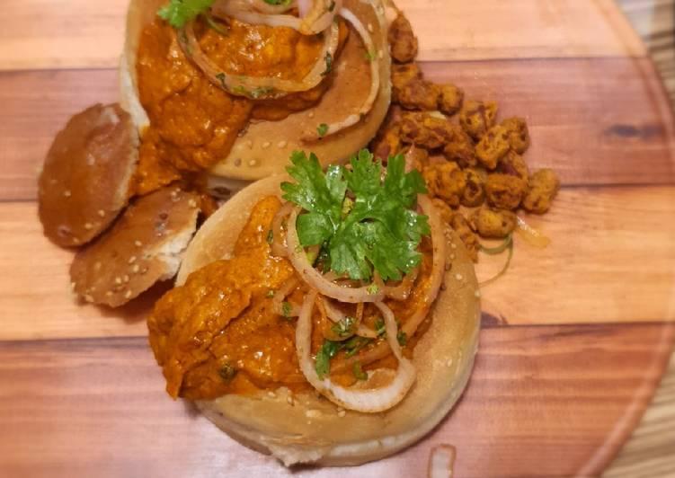 30 Minute Recipe of Award Winning Butter Chicken Bunny Chow